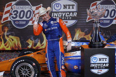 Scott Dixon scored Honda's third NTT IndyCar Series victory of the season Saturday night at Texas Motor Speedway in Fort Worth.