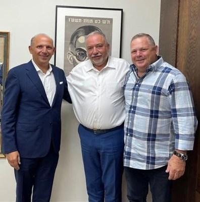 Picture: Isaac Assa Fundador y Presidente ILAN, Avigdor Lieberman, Ministro de Finanzas Israel, DOV litvinoff, CEO ILAN Israel